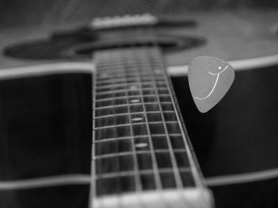 J'accorde ma guitare
